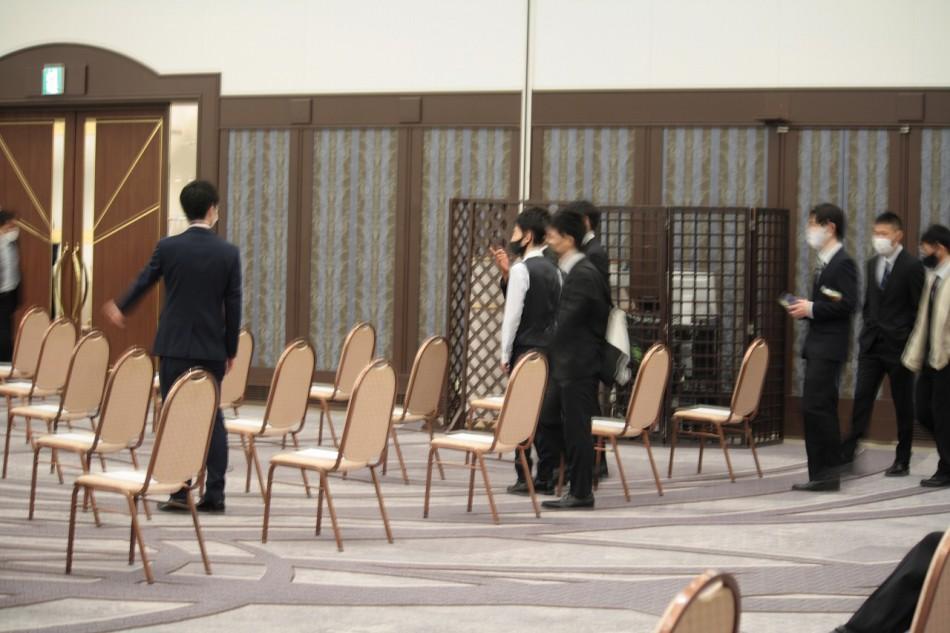大阪動植物海洋専門学校卒業式の開場です